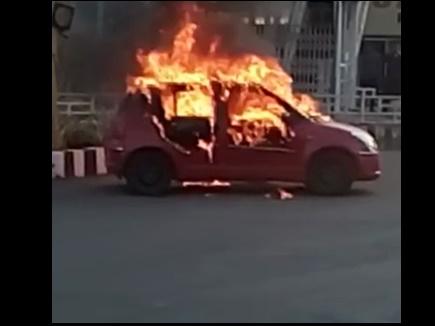 पद्मावत : भोपाल में कार जलाई, इंदौर में प्रदर्शन