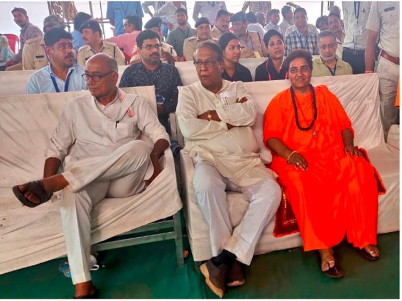 Bhopal Lok Sabha Result 2019 : देश की सबसे हाई प्रोफाइल सीट पर चढ़ा भगवा रंग, Sadhvi Pragya की बड़ी जीत