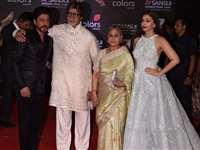 स्टारडस्ट अवॉर्ड्स में बिग बी और ऐश्वर्या के साथ शाहरुख खान