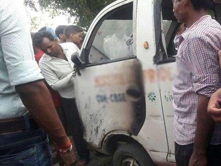 बिहारः स्कूल वैन पर बिजली का तार गिरने से 2 बच्चों की मौत, 11 घायल
