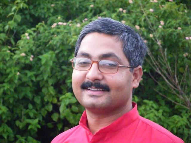 Mahatma Gandhi पर विवादित पोस्ट करने वाले अनिल सौमित्र BJP से निलंबित