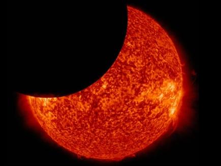 Solar Eclipse 2019: ऐसा नजर आया साल का पहला आंशिक सूर्यग्रहण, देखिए टोक्यो का नजारा
