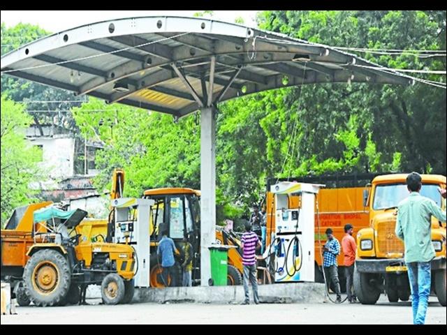 Bhopal Diesel scam: बड़े अधिकारियों पर आंच नहीं, निचले कर्मचारियों पर गिरी गाज