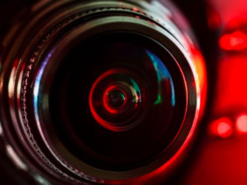 आपका कैमरा भी हो सकता है Hack, फोटोज के बदले मांग सकते हैं फिरौती