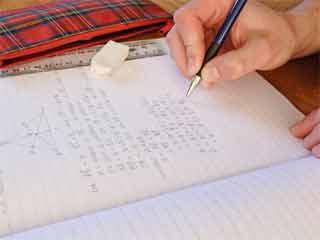 बच्चों पर होमवर्क का बोझ कम करने मे जुटा सीबीएसई