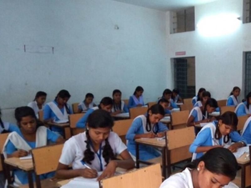 वाह रे परीक्षा विभागः राहुल ने मांगा उत्तरपुस्तिका, लक्ष्मी का थमा दिया