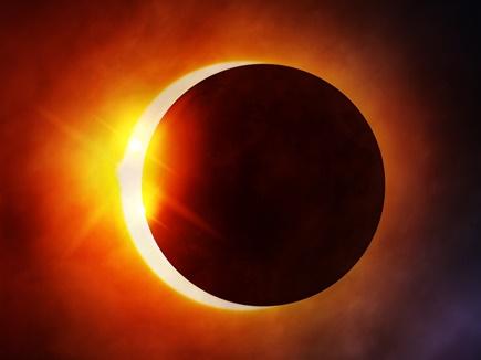 Lunar Eclipse 2019: साल का पहला चंद्रग्रहण शुरू, जानिये इसका राशियों पर क्या होगा प्रभाव