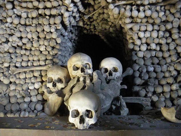 Image result for मानव कंकालों से बना चर्च, चेक गणराज्य
