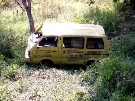 chindwara van accident mp 20171115 12191 15 11 2017