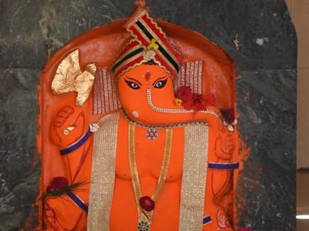 चोरी में सफलता के लिए 'चोर गणेश' का आशीर्वाद लेते हैं चोर