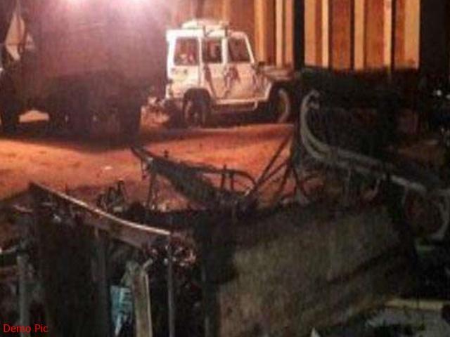 उत्तर 24 परगना भाटपाड़ा सीट पर उपचुनाव से पहले हिंसा, गोलीबारी के बाद फूंकी गईं गाड़ियां