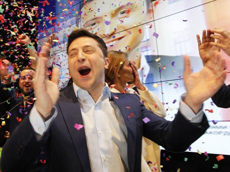 यूक्रेन के कॉमेडियन वोलोदिमीर जेलेंस्की लेंगे राष्ट्रपति पद की शपथ