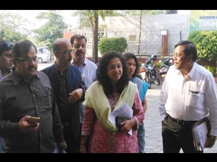 भोपाल : कांग्रेस फिर पहुंचा चुनाव आयोग, मुख्यमंत्री की शिकायत की