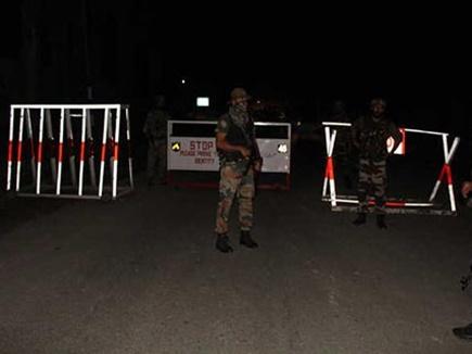 JK: CRPF शिविर पर हमला नाकाम, भाग निकले आतंकी