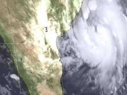 'तितली' का कहर :  दक्षिण बंगाल के कई जिलों में अगले दो दिनों में भारी बारिश की आशंका
