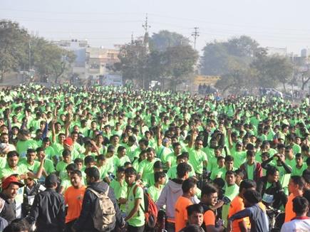 इंदौर: साइक्लोथान का हुआ आयोजन, 30 हजार युवा शामिल हुए