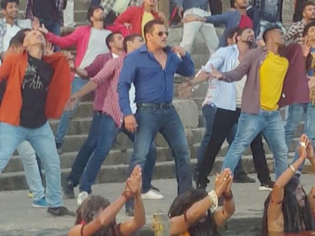 Dabangg 3 Movie: महेश्वर के घाट पर शूट हुआ टाइटल सांग- हुड़-हुड़ दबंग-दबंग