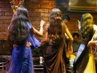 बार डांसर पर एक रात में लुटाए 28 लाख रुपए, यहां से लाया था इतना पैसा