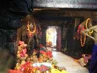 दन्तेश्वरी माईजी के दर्शन के लिए भक्तों की कतार