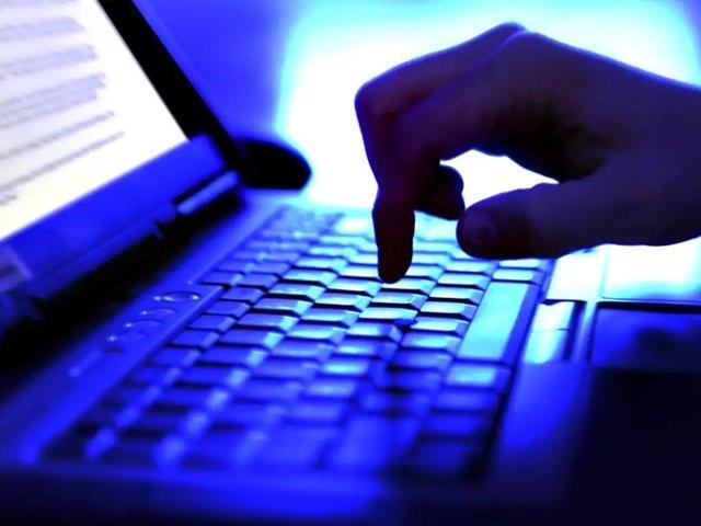 डेटा चोरी मामले में फेसबुक और कैंब्रिज एनालिटिका से मांगी और जानकारी