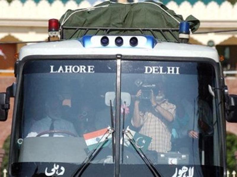 Article 370 : समझौता और थार एक्सप्रेस के बाद अब पाकिस्तान ने दिल्ली-लाहौर बस सेवा रोकी