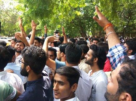 दिल्ली विश्वविद्यालय छात्र संघ चुनाव में लहराया ABVP ने जीत का परचम