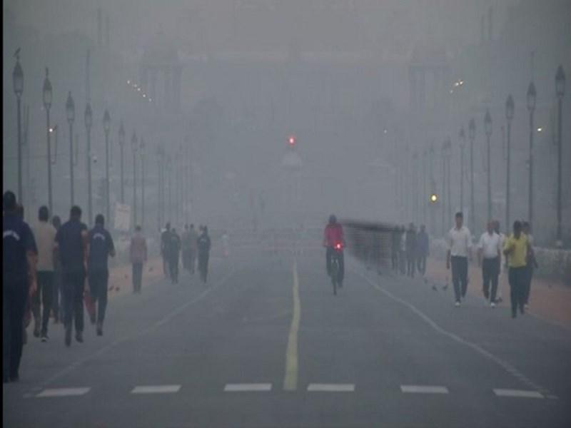 Delhi Pollution Level: दिल्ली में प्रदूषण का स्तर और बढ़ा, लोगों को मॉर्निंग वॉक पर ना जाने की सलाह