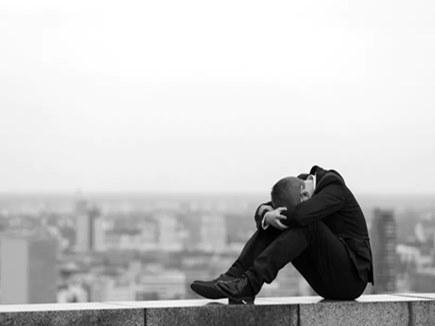 आत्महत्या की कोशिश करने वाले अब दूसरों को दे रहे हैं जीने की सीख