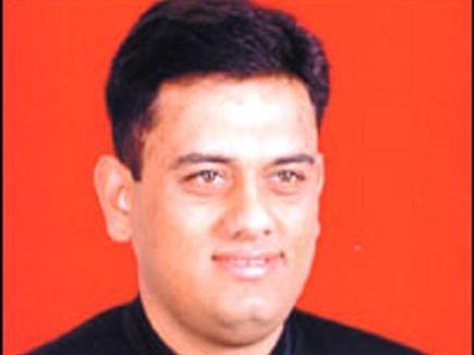 जिग्नेश, हार्दिक से चर्चा कर रही कांग्रेस तो जोगी से क्यों नहीं : देवव्रत