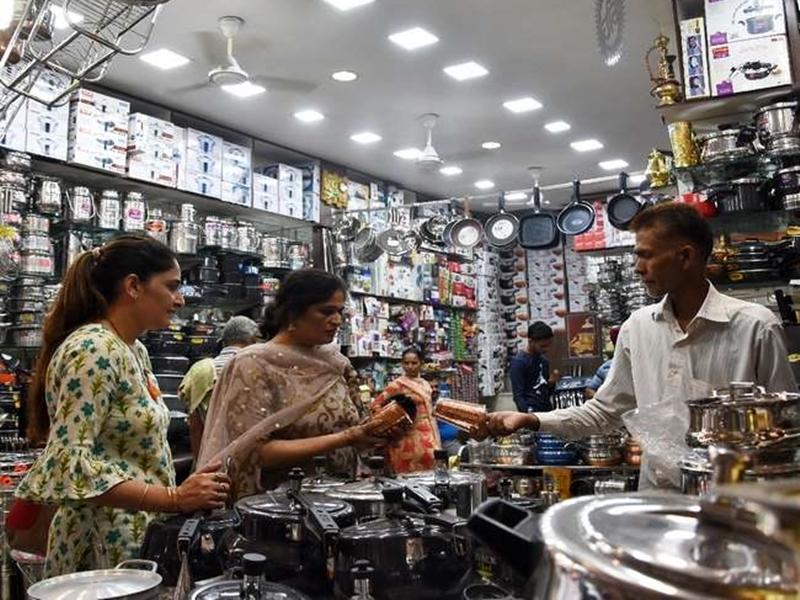 Diwali 2019 : जानिये धनतेरस पर किस धातु की खरीदी होगी आपके लिए शुभ
