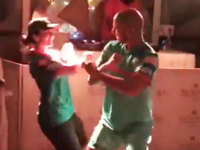 Video IPL 2019: पत्नी के साथ धवन ने ऐसे मनाया दिल्ली की जीत का जश्न