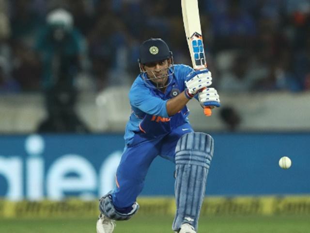 चेज मास्टर: इस मामले में दुनिया का कोई बल्लेबाज धोनी के सामने नहीं टिकता