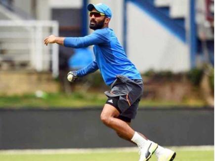 INDvsSA: चोटिल साहा तीसरे टेस्ट से बाहर, दिनेश कार्तिक टीम में