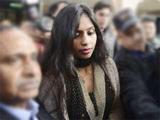 अमेरिका में देवयानी के खिलाफ गिरफ्तारी वारंट जारी