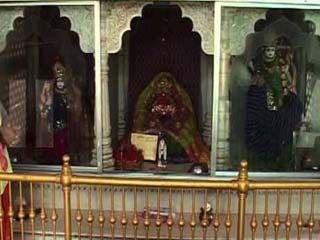 यहां है डॉलर माता का मंदिर, होती है मुस्लिम देवी की पूजा