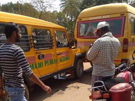 Jagdalpur : DPS स्कूल की बस दुर्घटनाग्रस्त, 14 बच्चे घायल, 3 गंभीर