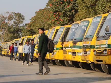 इंदौर बस हादसा : डीपीएस की 40 बसों के फिटनेस निरस्त