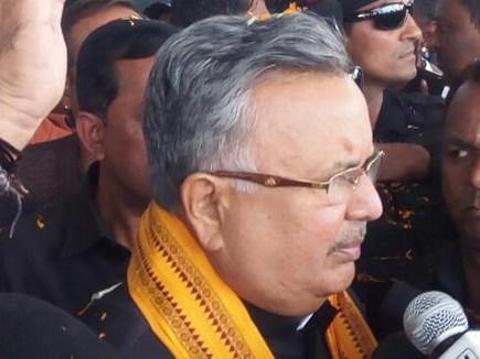भाजपा का राष्ट्रीय उपाध्यक्ष बनने के बाद डॉ रमन सिंह लौटे रायपुर