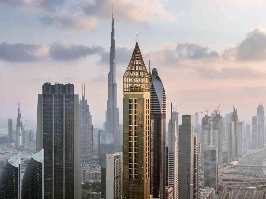 दुबई में दुनिया का सबसे ऊंचा होटल खुला, एफिल टॉवर से 56 मीटर ऊंचा