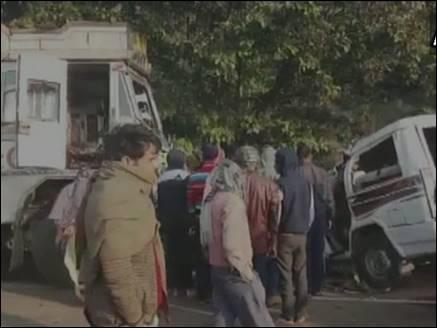 झारखंडः दुमका में ट्रक-सूमो की टक्कर में आठ छात्रों की मौत, दो घायल