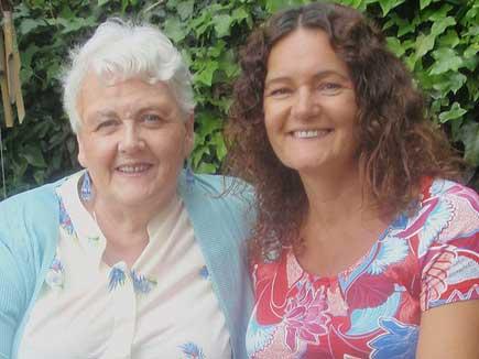 46 साल पहले डस्टबिन में फेंकने वाली मां को ढूंढ निकाला