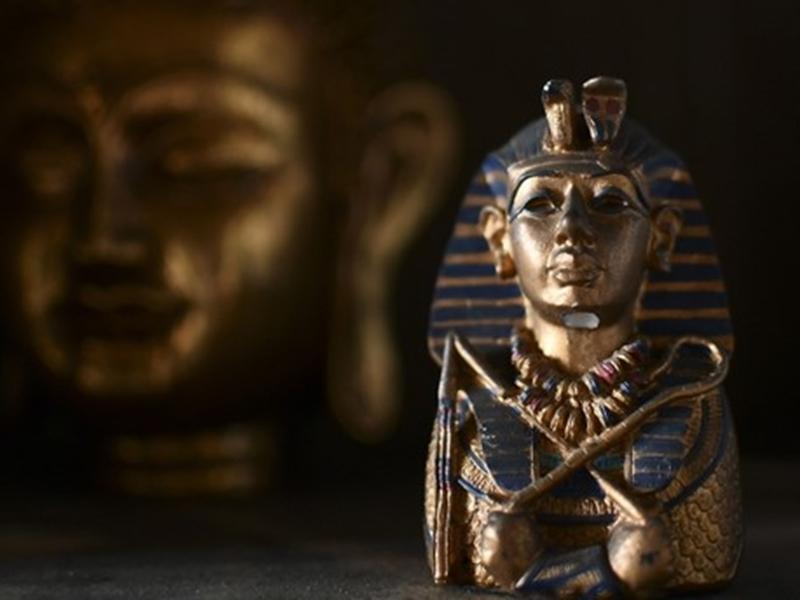 तूतनखामन के मुखौटे का पता लगाने को मिस्र ने इंटरपोल से मांगी मदद