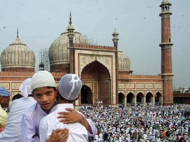 पूरी दुनिया में शुरू हुई ईद की तैयारियां