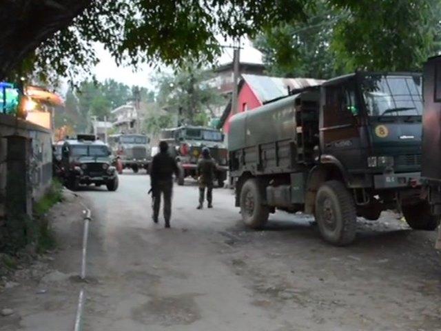 जम्मू-कश्मीरः पुलवामा मुठभेड़ के दौरान 3 आतंकी ढेर, एक जवान शहीद