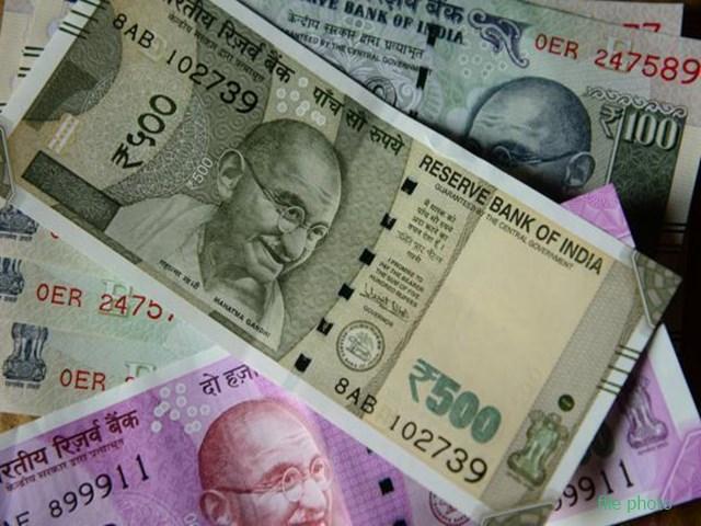 Gujarat: पालनपुर में 43 लाख के नकली नोट के साथ धराया शख्स, सूरत में करने जा रहा था डिलीवरी