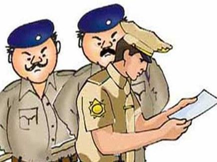 4 साल बाद पता चला कि पुलिस लाइन में है मुन्नाभाई आरक्षक