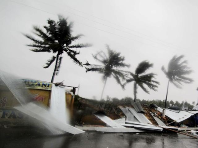 Cyclone Fani : ओडिशा में 12 हजार करोड़ का नुकसान, बिजली और टेलीकॅाम सेवाएं प्रभावित
