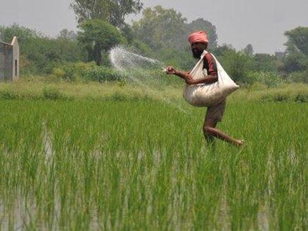 किसानों को हर साल 10 हजार रुपए एकड़ के पैकेज पर विचार