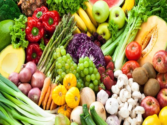 गर्मी में फल-सब्जियां ज्यादा खाएं, लेकिन इन बातों की जरूर रखें सावधानी