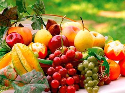 यहां जानिए कौन-सा फल किस समय खाएं ताकि मिले पूरा फायदा